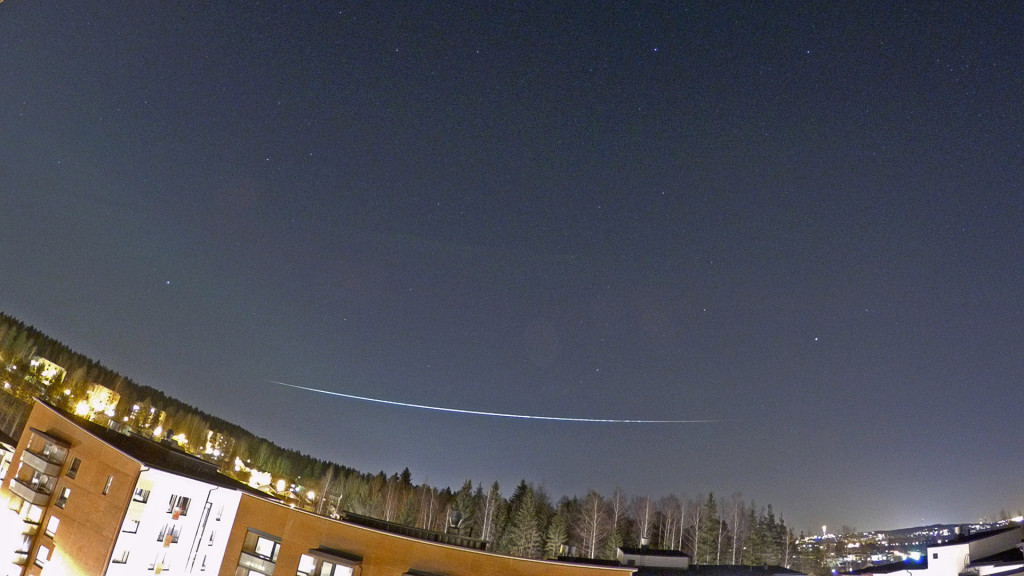 Superbright fireball 18.3.2015 21:01 (EET) / 19:01 (UTC) Image: Jari Juutilainen